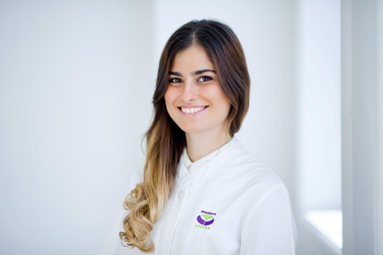 Ana Florencia De Alzaa