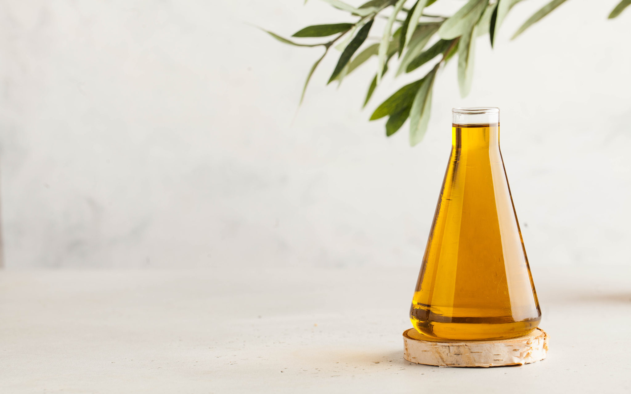 Can I use olive oil instead of coconut oil in the ketogenic diet?