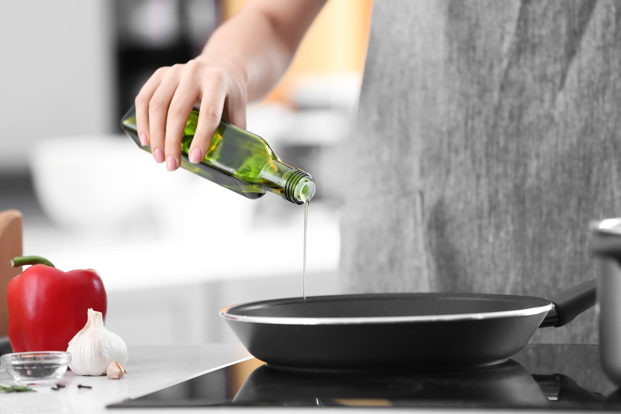 Busting The Myth That Cooking In Olive Oil Will Ruin Your Pans
