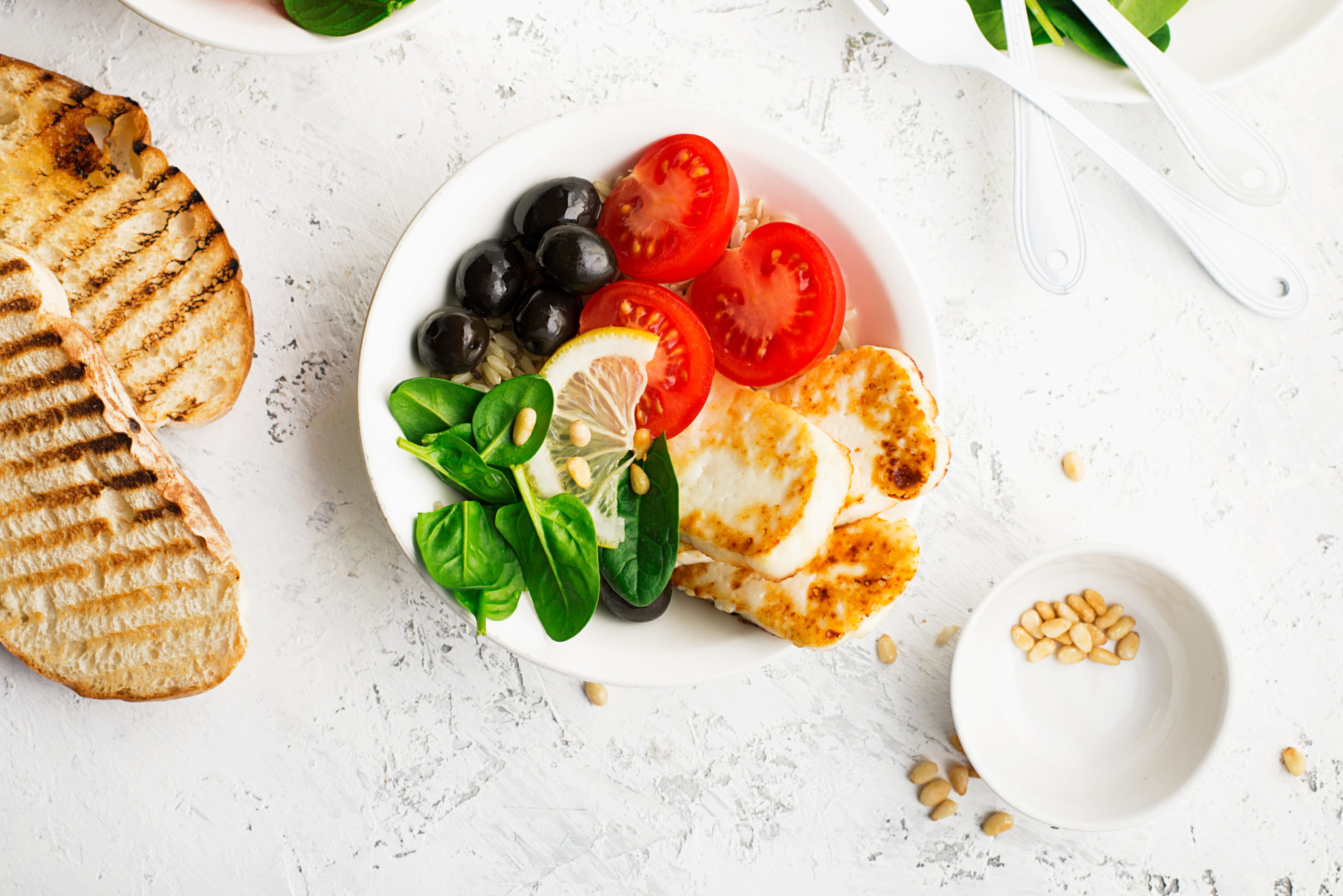 Is the Mediterranean diet recommended routinely to people with chronic conditions in a non-Mediterranean setting?